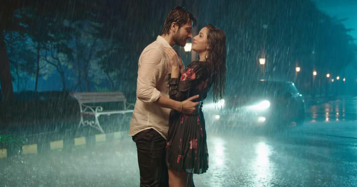 Hindi remake of Tamil romantic comedy 'Pyaar Prema Kaadhal' in the works
