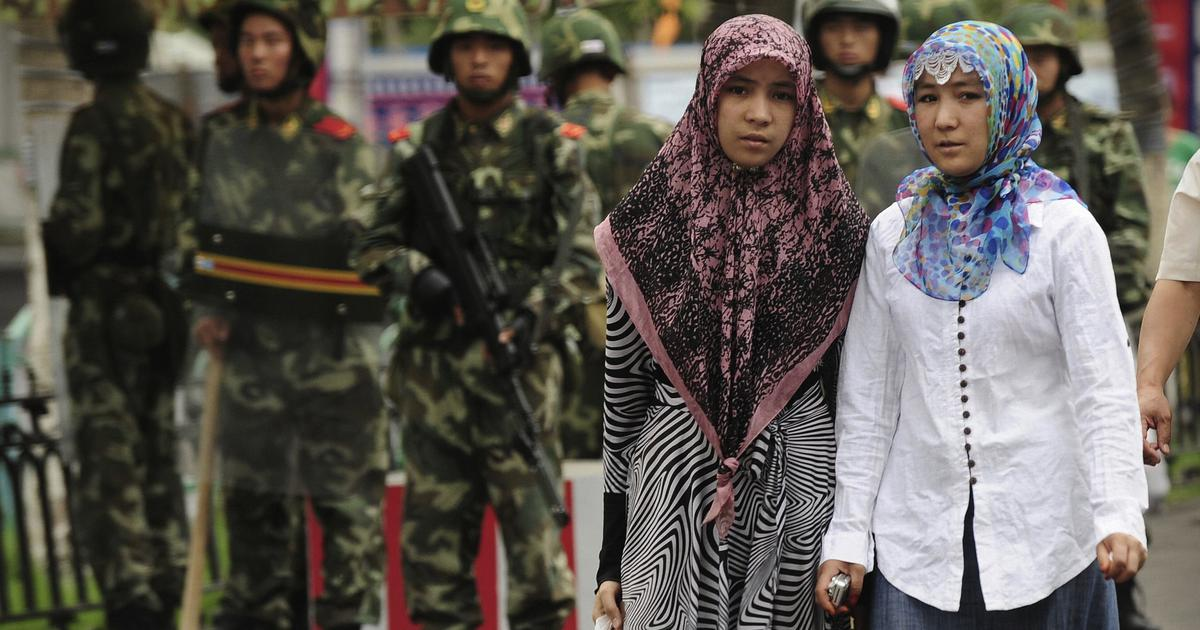 चीन सरकार का फरमान, सभी मस्जिदों में राष्ट्रीय झंडा लगाया जाए