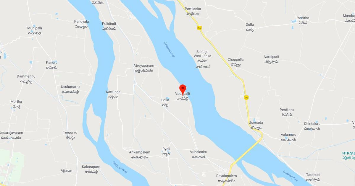23 missing after boat carrying 40 capsizes in Andhra Pradesh's Godavari river