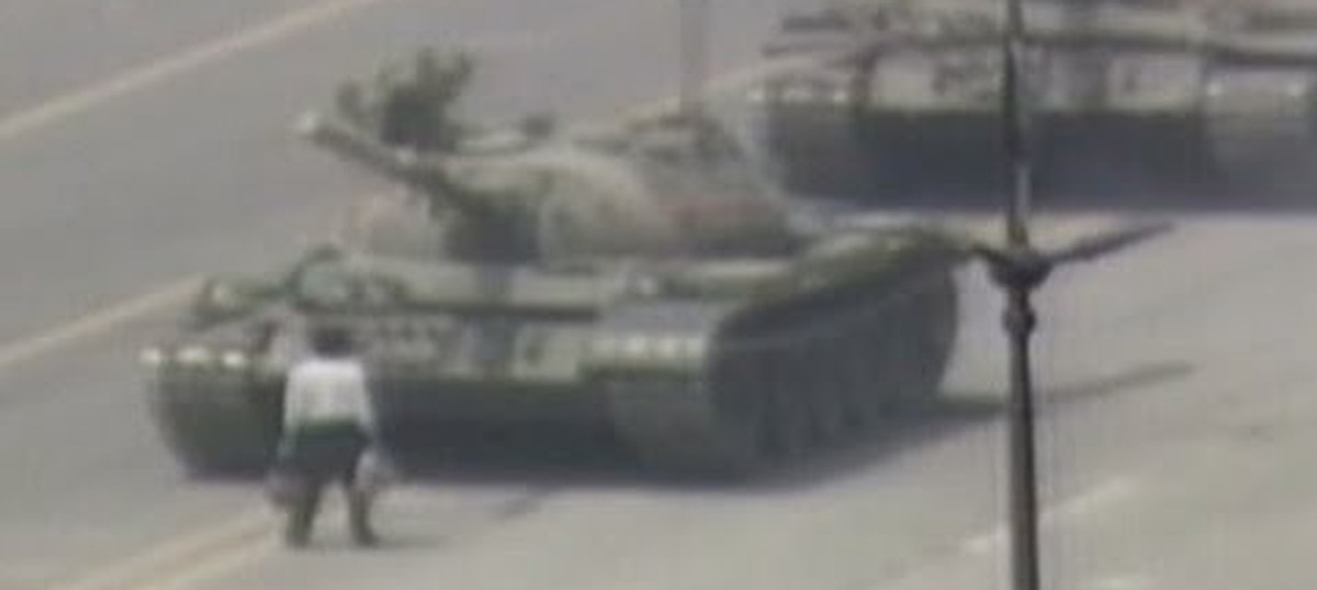 Watch Exactly Why Did The Lone Protester At Tiananmen Square Stand