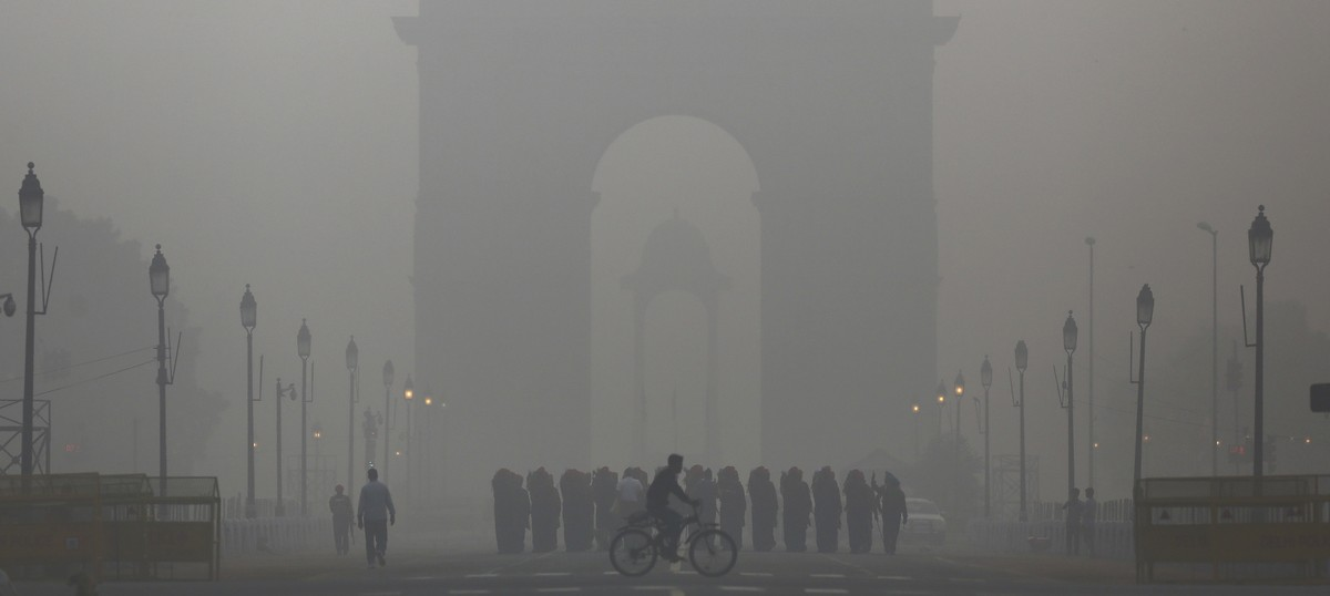 Does India need to shift its capital from smog-choked Delhi?