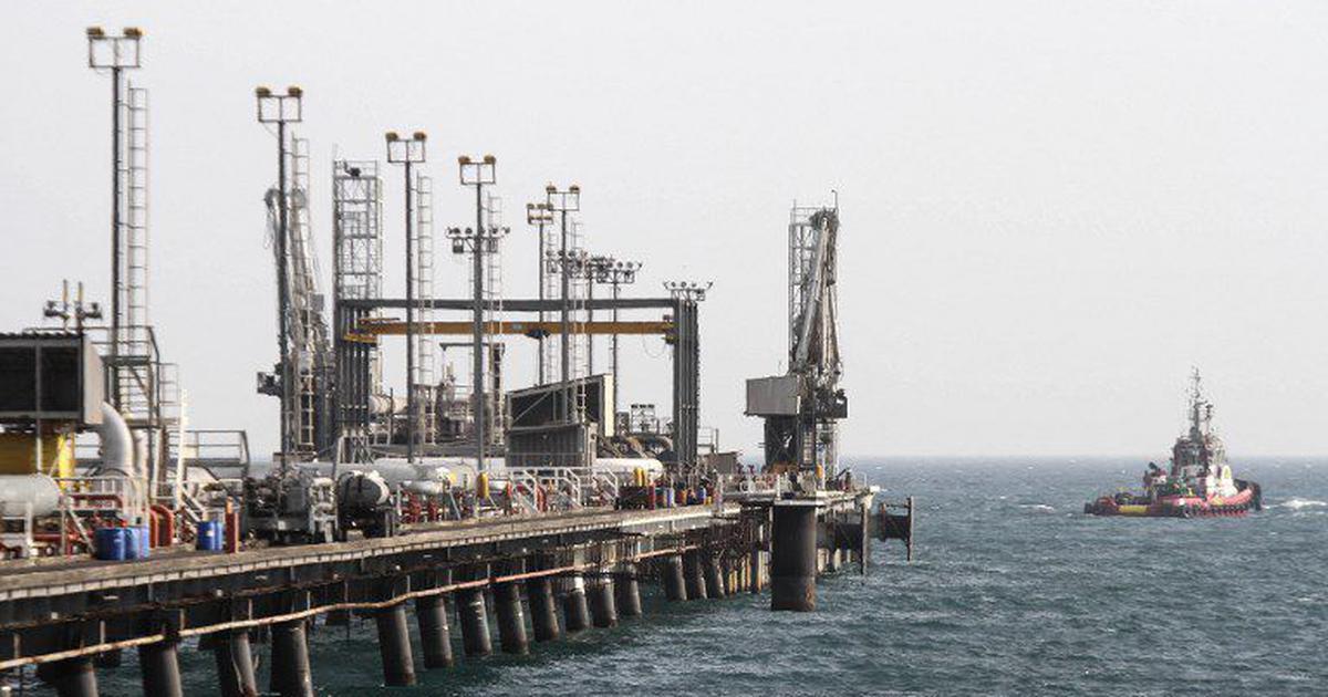भारत कच्चे तेल के आयात पर अंकुश लगा सकता है