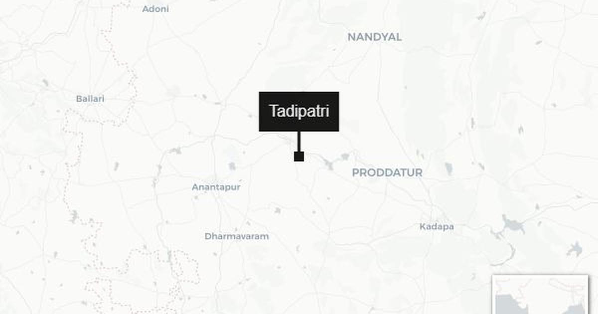Andhra Pradesh: Inspector allegedly threatens to cut off tongues of abusive legislators