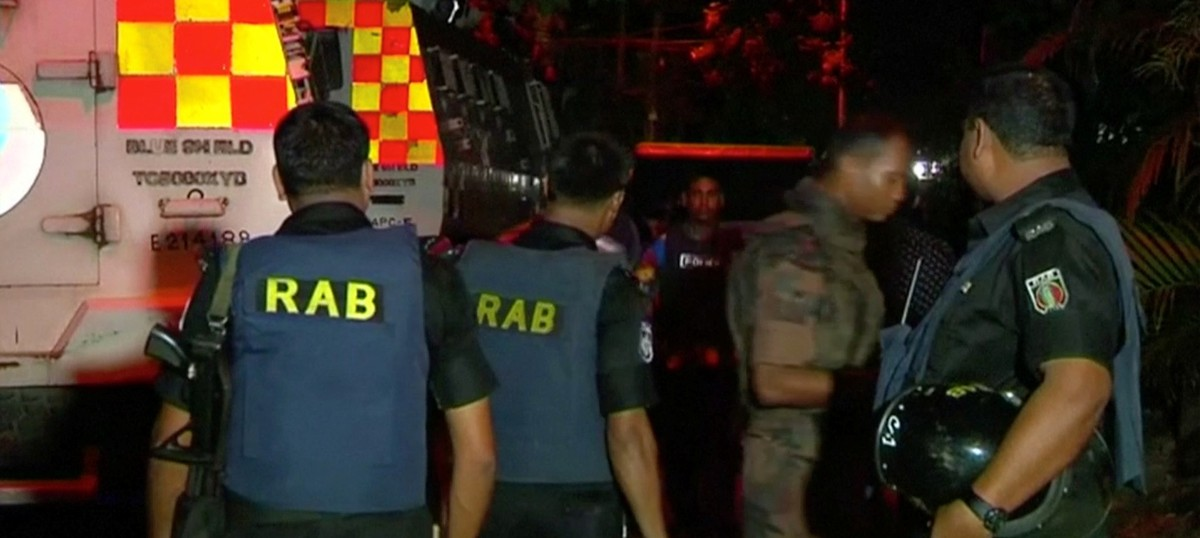 Dhaka shooting: Islamic State claims attack that killed 20, 13 hostages rescued as siege ends