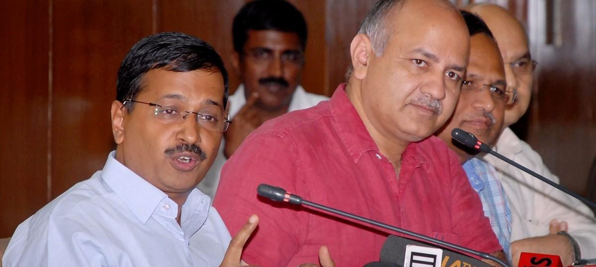 'पार्टी कोई भी हो, भारतीय राजनीति में आपातकाल भक्तिकाल के बाद ही आता है!'
