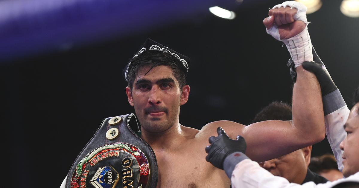 Boxing: Vijender Singh wins his first bout in US professional circuit to extend unbeaten run to 11