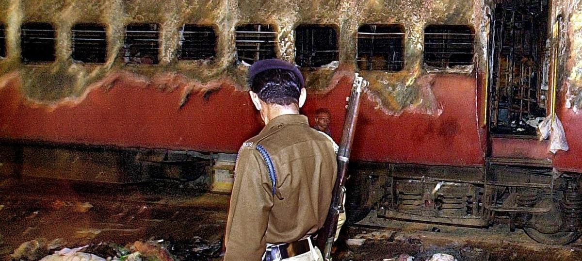 गोधराकांड : हाई कोर्ट ने 11 दोषियों की फांसी उम्र कैद में बदली