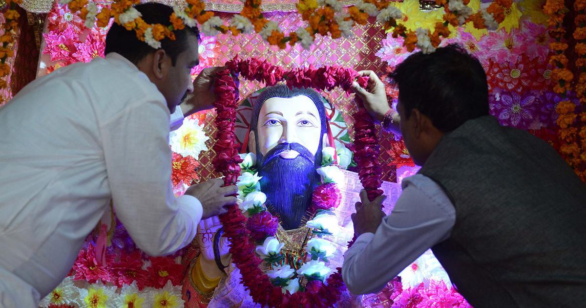 Why doesn't India eulogise Sant Ravidas the way it worships Kabir or Valmiki?