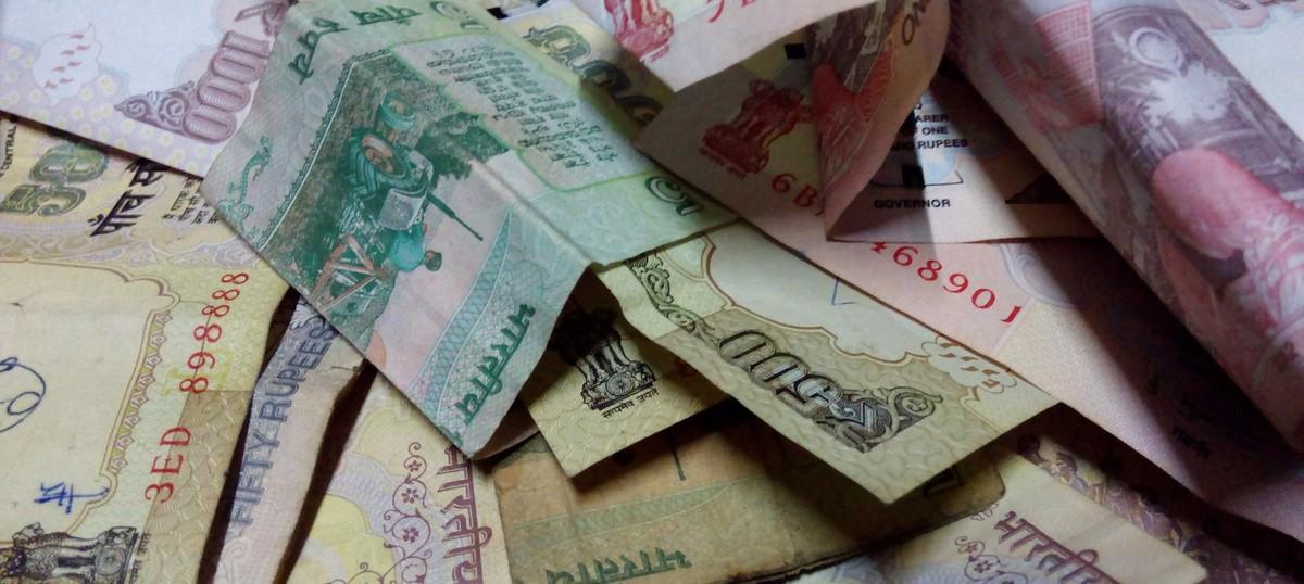 Madras High Court orders CBI investigation into Rs 570 crore seized before Tamil Nadu polls