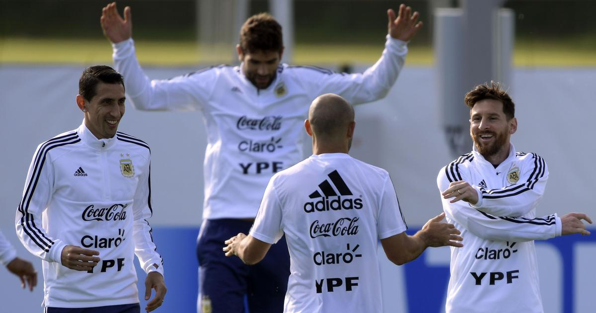 Fans throng to see Messi at Argentina World Cup camp, Ever Banega made to train alone