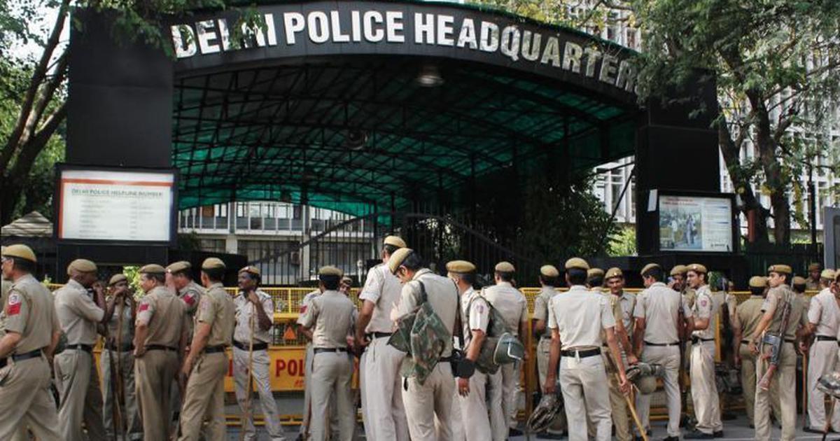 बलात्कार के आरोप में दिल्ली पुलिस के एसीपी पर मामला दर्ज होने सहित आज की प्रमुख सुर्खियां