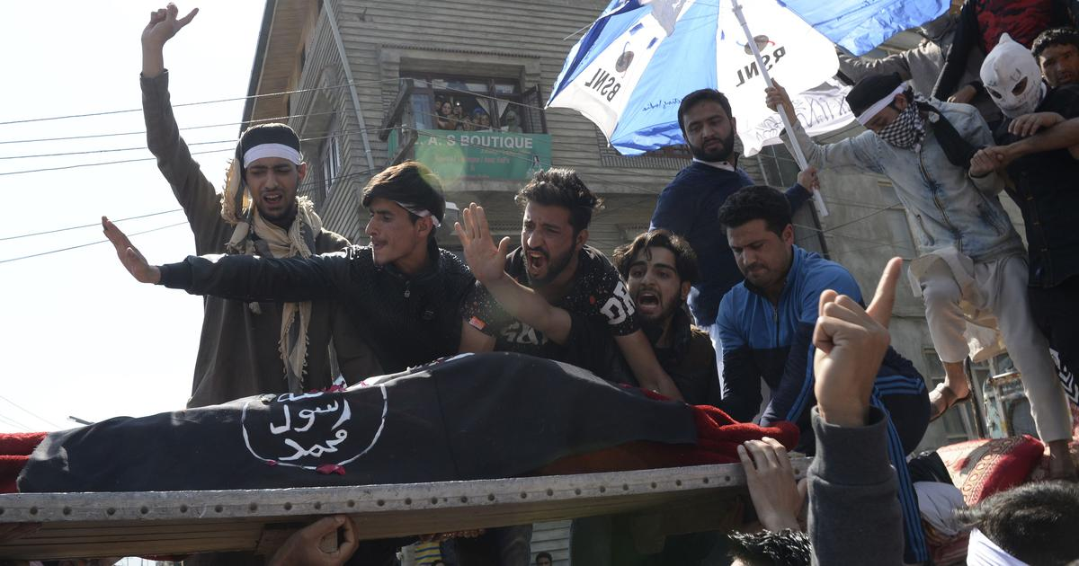 Eye-witness report: How a CRPF vehicle mowed down a protestor in Srinagar on Friday