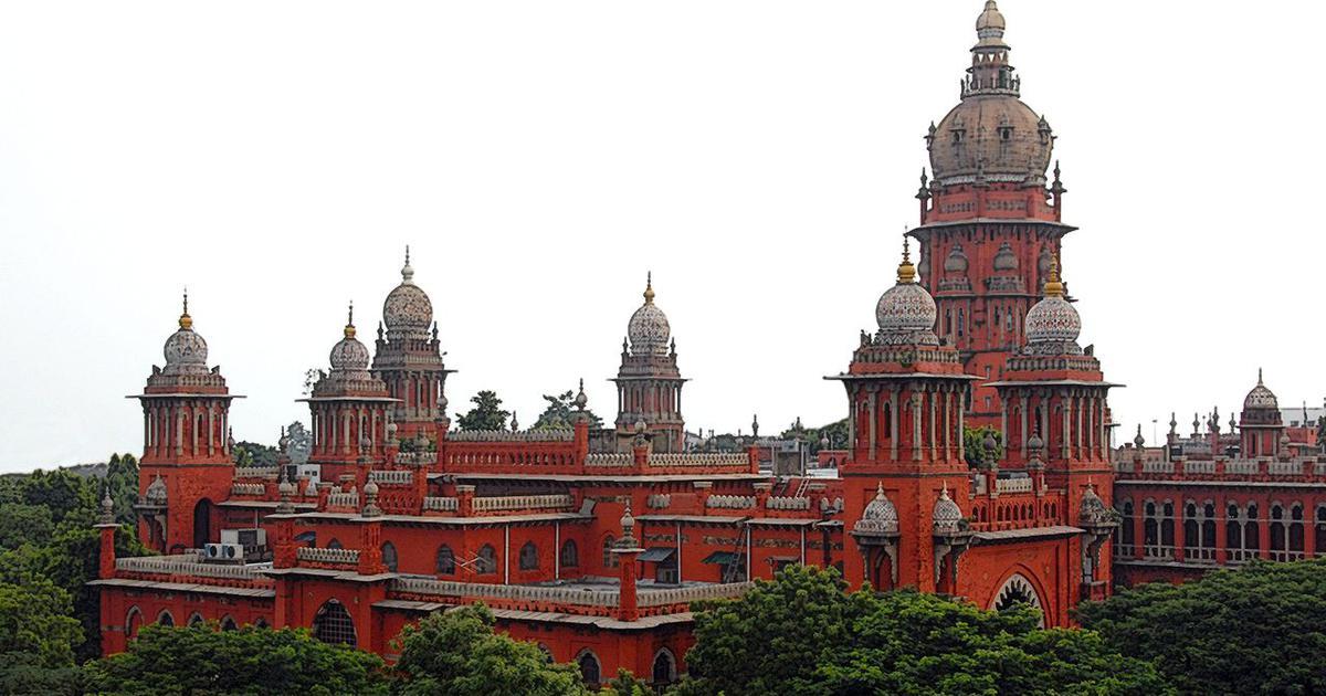 क्या करुणानिधि के अंतिम संस्कार के मामले पर मद्रास हाई कोर्ट ने रात भर सुनवाई की थी?