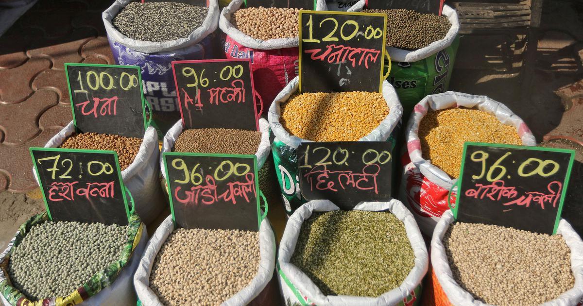 मोदी सरकार को दोहरी राहत, खुदरा महंगाई दर में गिरावट के साथ औद्योगिक उत्पादन बढ़ा