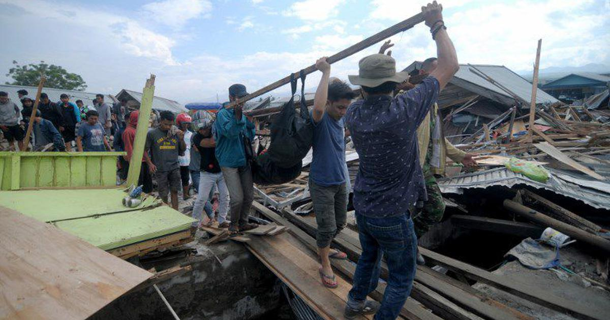 Indonesia: Toll after earthquake, tsunami rises to 832, officials say it may go into thousands