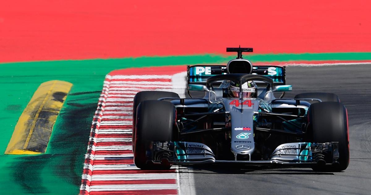 Despite crash scare, Hamilton dominates Japan GP practice in psychological blow to Vettel