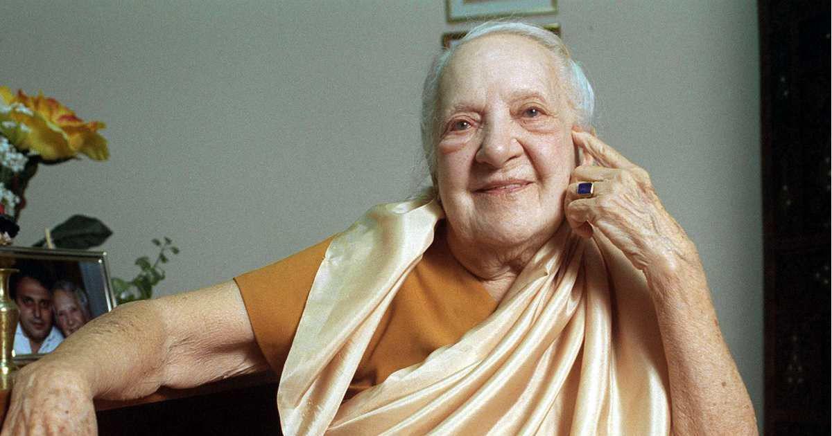 इंद्रा देवी : एक रूसी महिला जिन्होंने अमेरिका को पहली बार भारतीय योग सिखाया