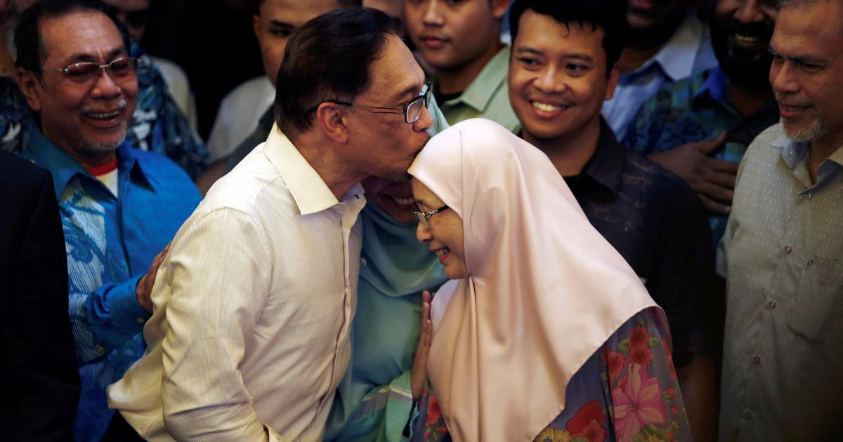 Malaysia: Jailed Opposition leader Anwar Ibrahim granted full pardon, walks free