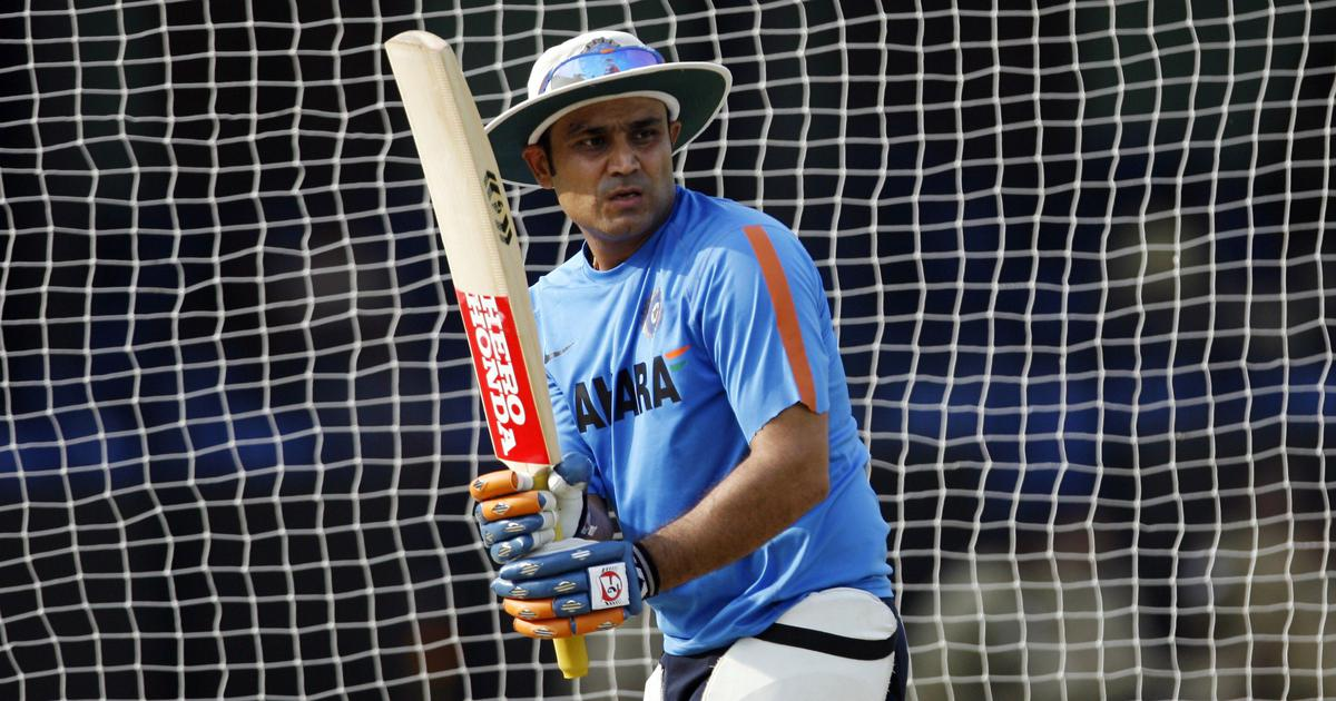 पूर्व सलामी बल्लेबाज वीरेंद्र सहवाग एक बार फिर क्रिकेट के मैदान पर नजर आएंगे