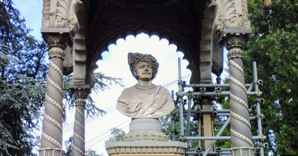 Who was Prince Rajaram II and why is there a monument in his memory in Florence?