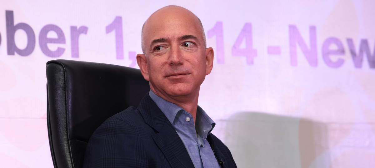 Amazon invests another Rs 2,900 crore in its India unit, raises the stakes in battle with Flipkart