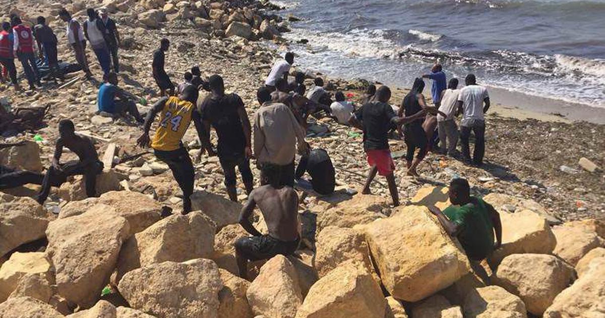 लीबिया में लगभग 100 प्रवासियों के समुद्र में डूबने की आशंका सहित दिन के बड़े समाचार