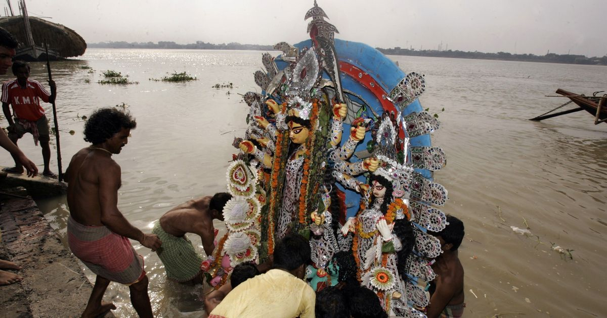Can rivers, such as the Ganga and Yamuna, be legal entities?