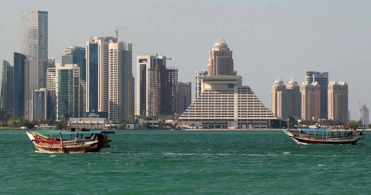 Qatar bars shops from selling goods from Saudi Arabia, UAE