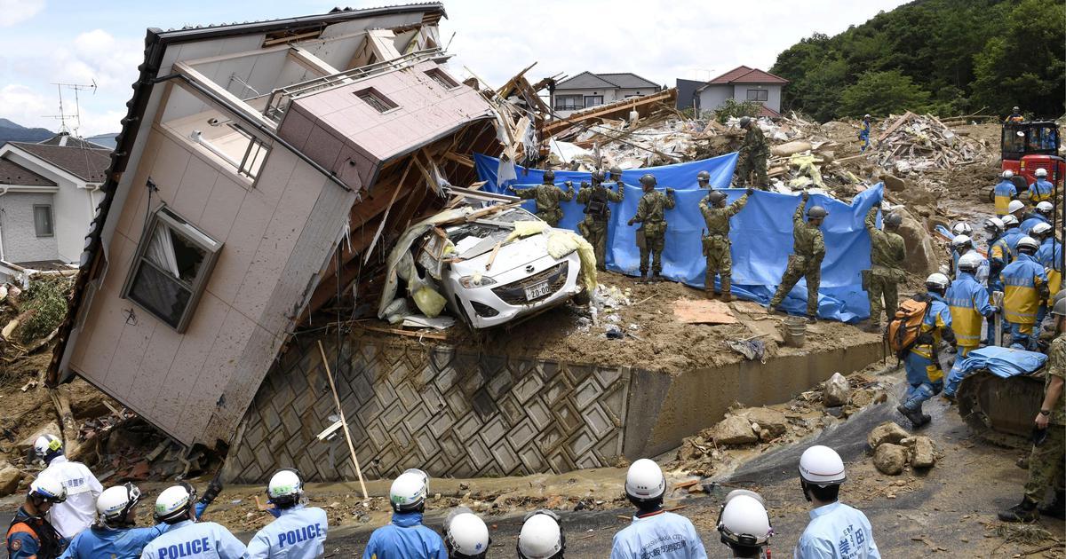 जापान में बाढ़ और जमीन धंसने से 10 लोगों की मौत