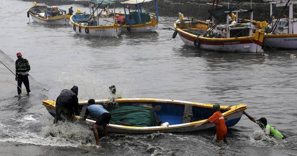 पाकिस्तान ने भारत के 100 मछुआरे रिहा किए