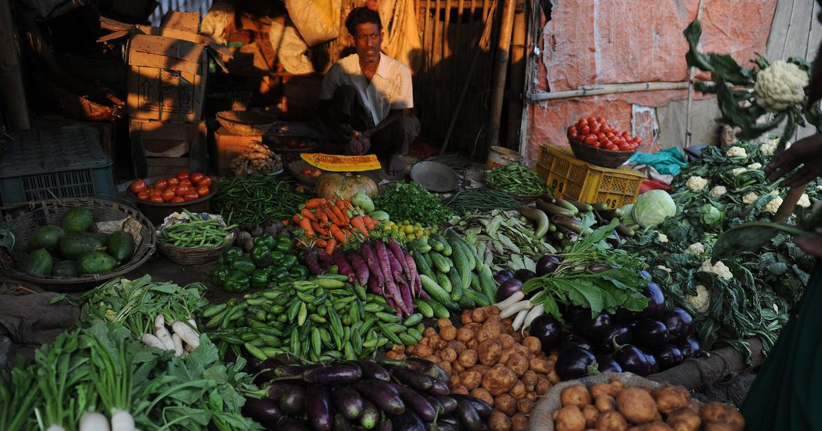 India's October retail inflation rose to 7.61%, highest in over six years