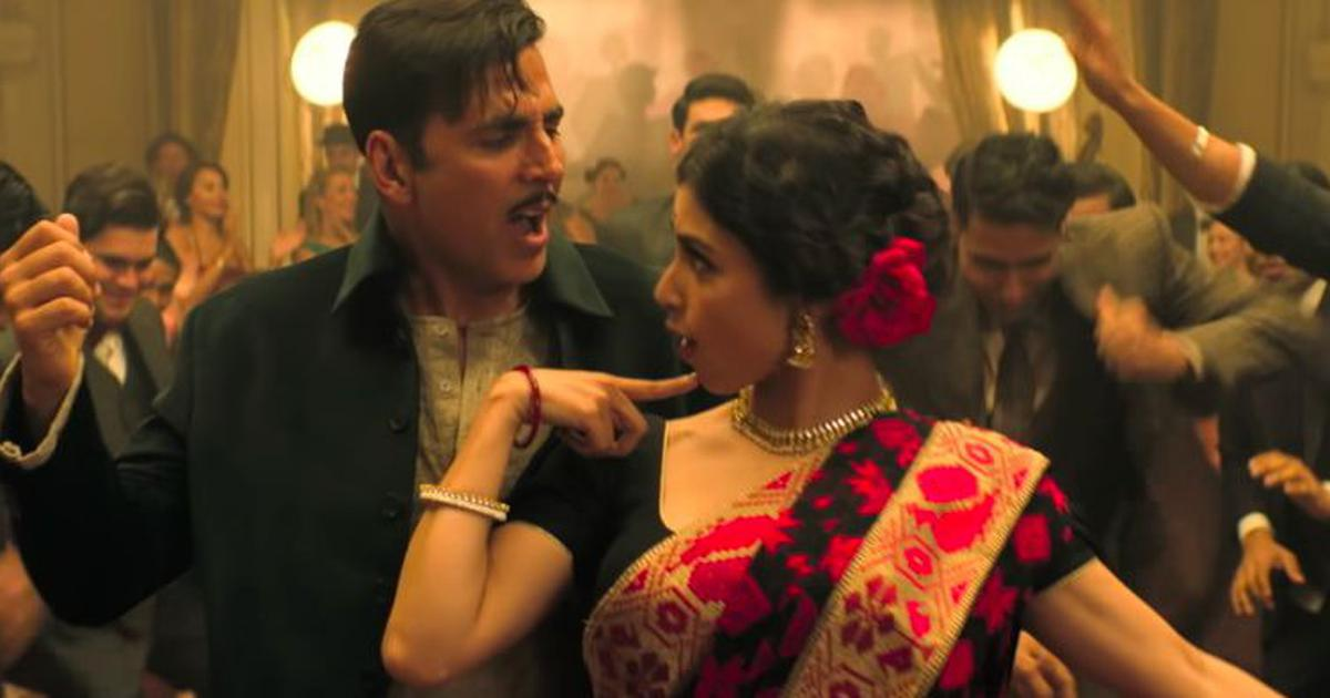 Watch: Akshay Kumar invites Mouni Roy to dance in 'Monobina' from 'Gold'