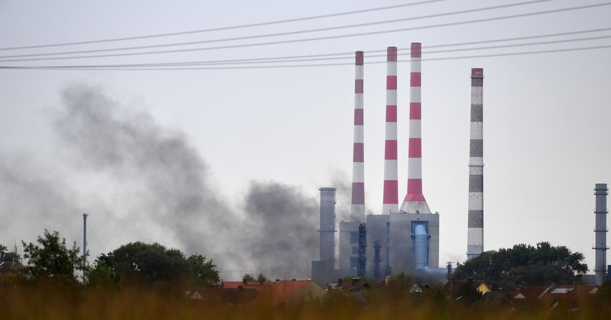 Germany oil explosion: Smoke seen over refinery near Ingolstadt