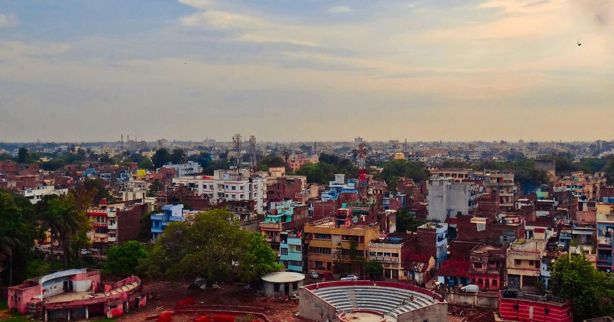 This Patna novel is not just about differences and disappointments, it's a tribute to the '90s