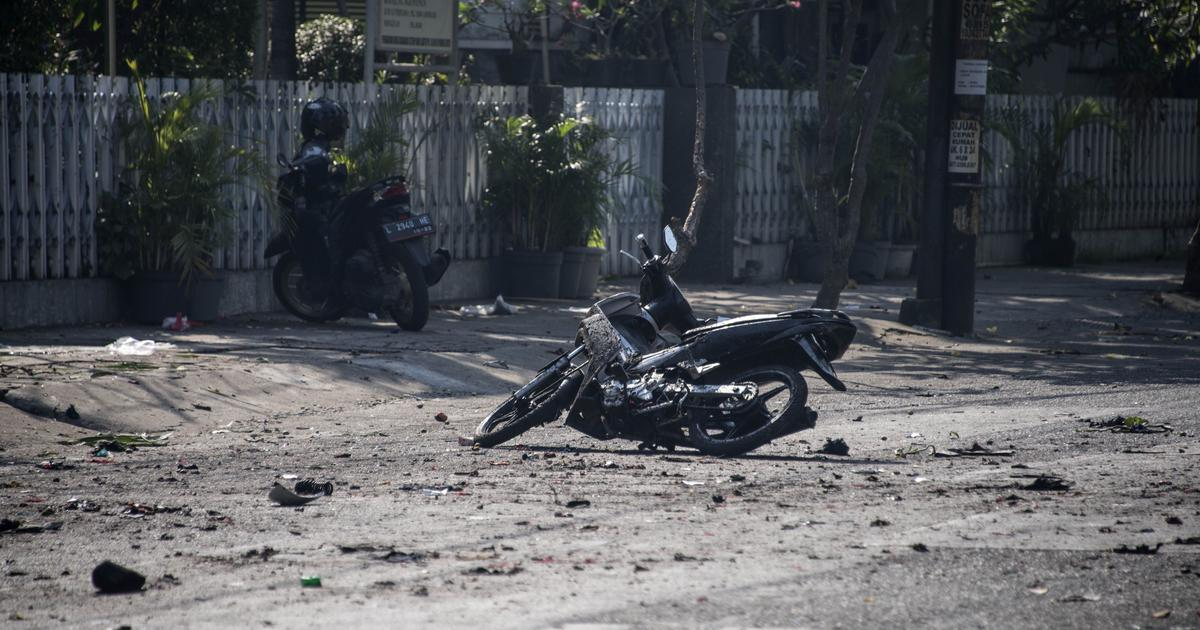 Indonesia: Family of six carried out attacks on three churches that left 13 dead, say police