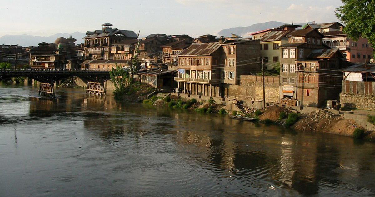 Flood alert issued in South Kashmir after Jhelum river crosses danger mark