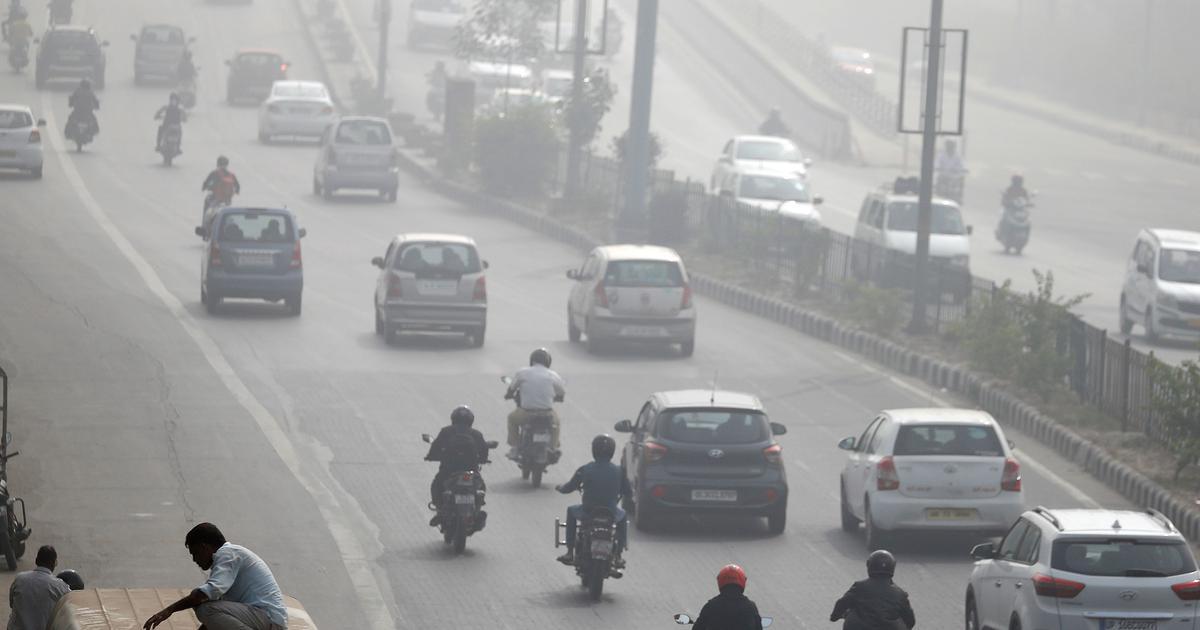 दिल्ली में 'ऑड-ईवन' शुरू, वायु गुणवत्ता अब भी गंभीर
