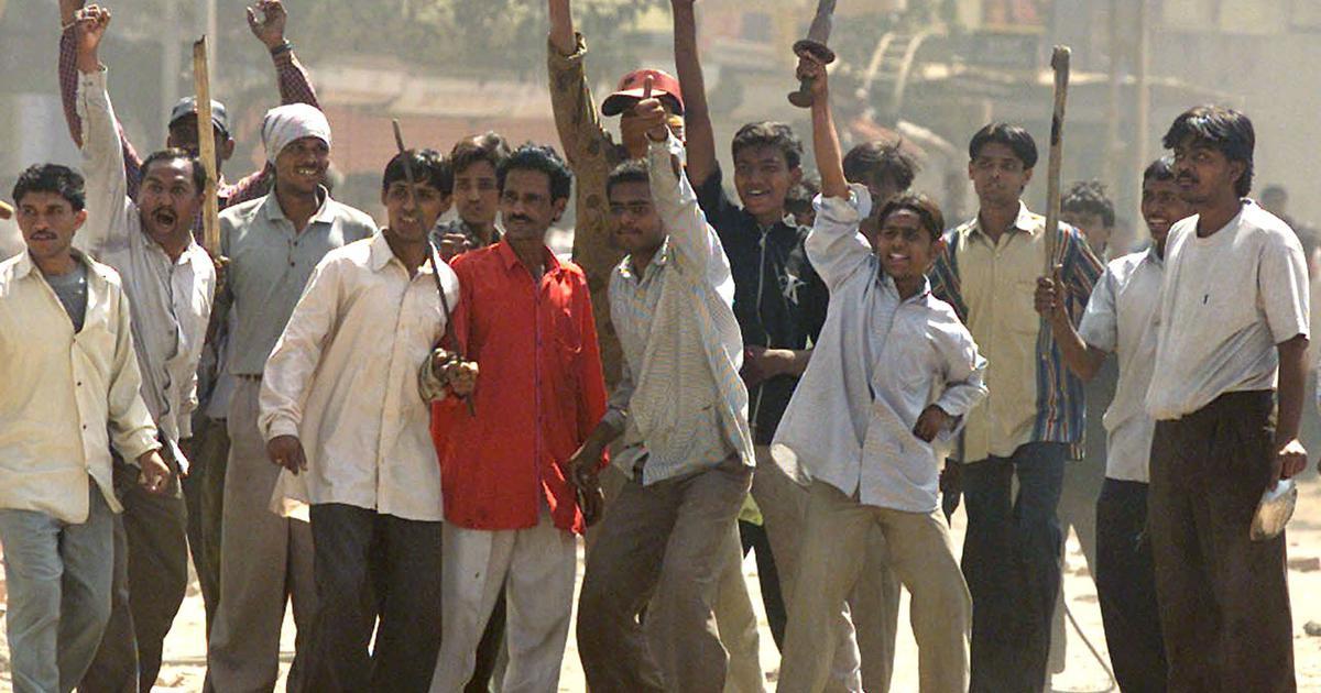 गुजरात दंगा : हाई कोर्ट ने 14 दोषियों की उम्र कैद की सजा बरकरार रखी