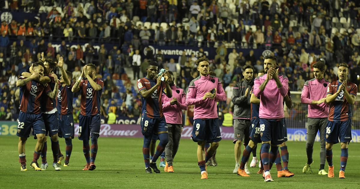 Barcelona's unbeaten season comes to an end in 5-4 defeat to Levante