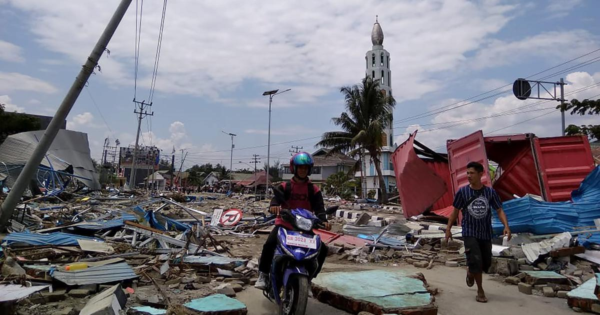 Indonesia tsunami in pictures: Big waves leave Sulawesi coastline in ruins