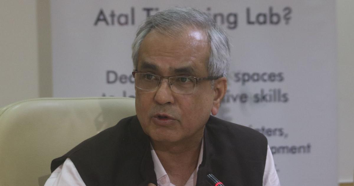 अर्थव्यवस्था में गिरावट के लिए नोटबंदी नहीं रघुराम राजन की नीतियां जिम्मेदार : राजीव कुमार