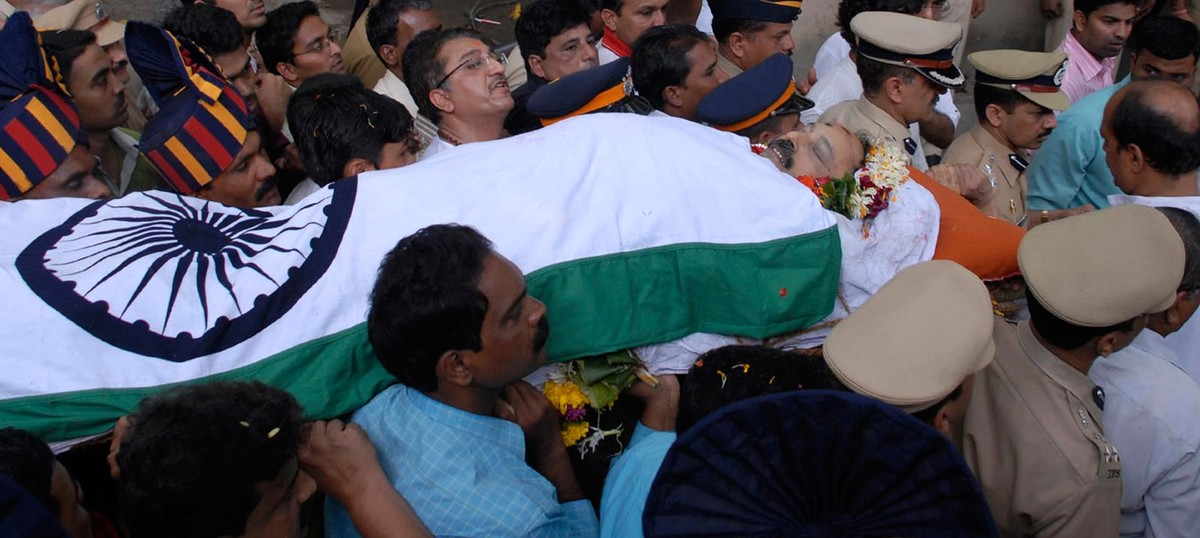 NIA's Malegaon U-turn: Why Hemant Karkare does not deserve to die all over again