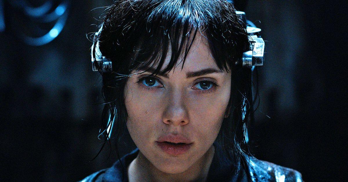 Scarlett Johansson exits 'Rub & Tug' after transgender casting row