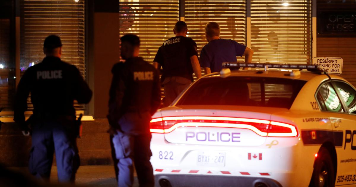 Two men set off bomb in Canadian restaurant