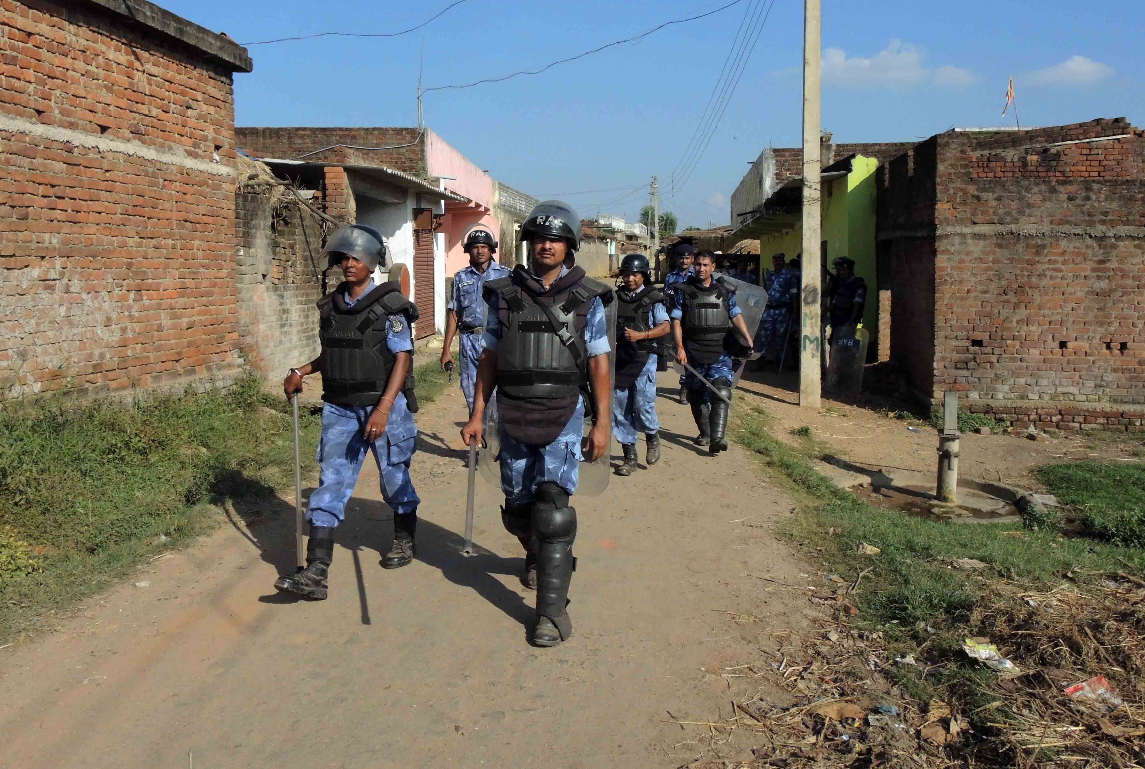 Rapid Action Force personnel and the police were deployed in the villages near the coal mine site on Monday. Credit: Manob Chowdhury