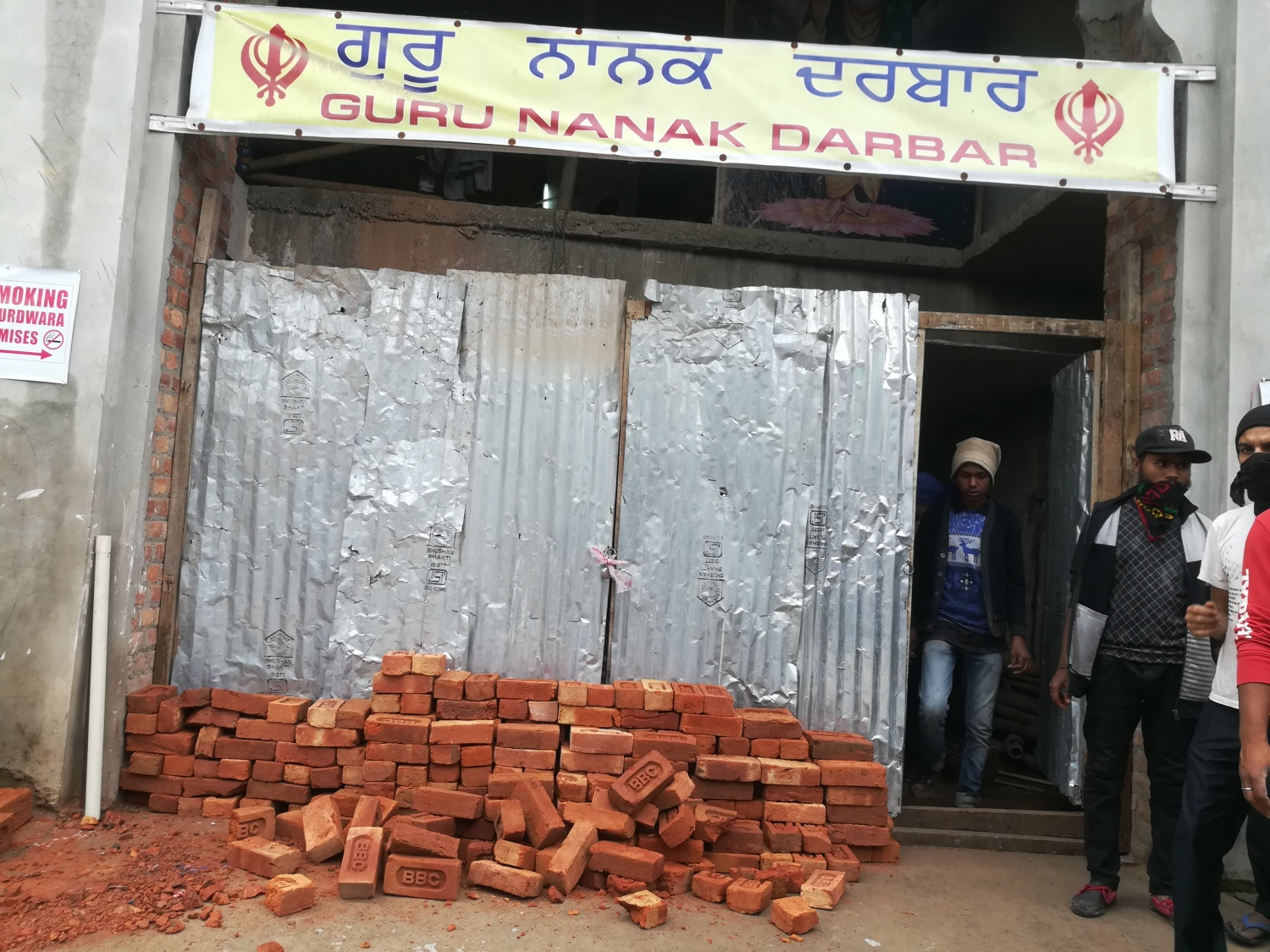Residents of Punjabi Line have attempted to barricade the entrance of the local gurdwara.