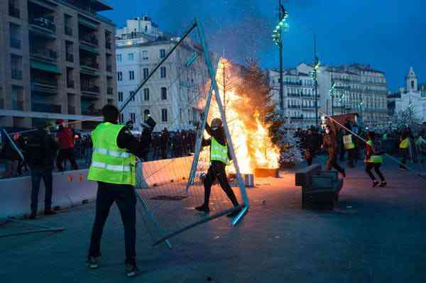 Protests in Marseilles on December 1, 2018. Photo Credit: Clement Mahoudeau/AFP