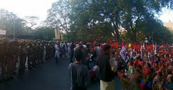 Photos: 'Ab ki baar, Humara Adhikar' rally asks Parliament not to dilute pro-poor legislations