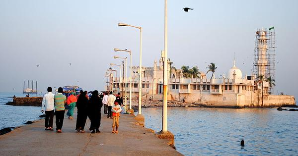 While petition fights to end discrimination, many Haji Ali pilgrims endorse ban on women in sanctum