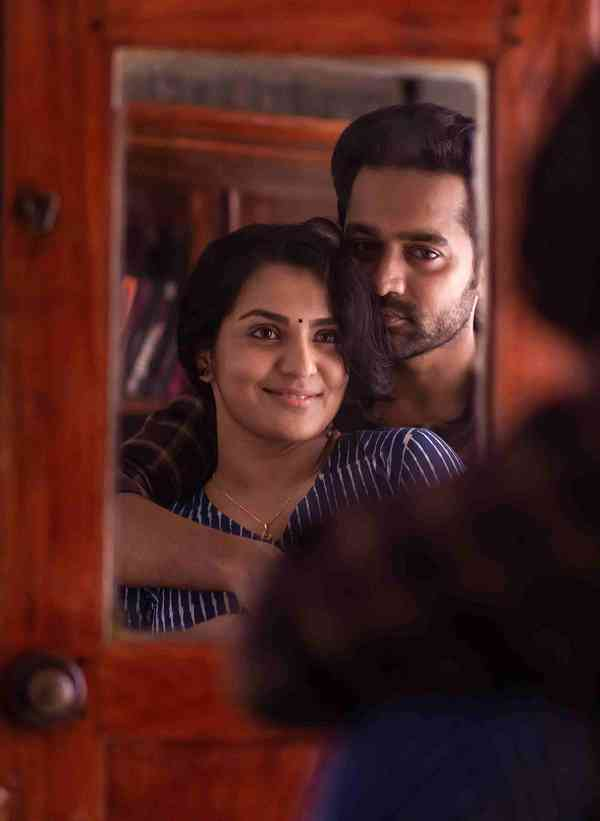 Parvathy Thiruvothu and Asif Ali in Uyare (2019). Courtesy S-Cube Films.